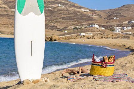 Beach-picnic-basket-terra-maltese