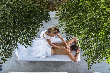 Massage-services-at-terra-maltese
