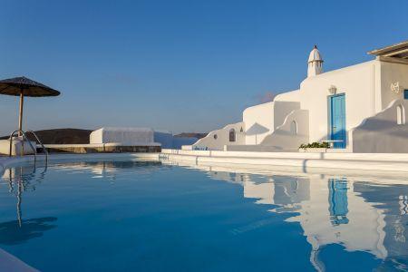 Pool-terra-maltese