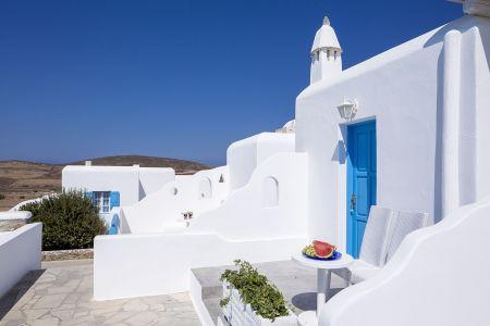 Terra-maltese-family-balcony